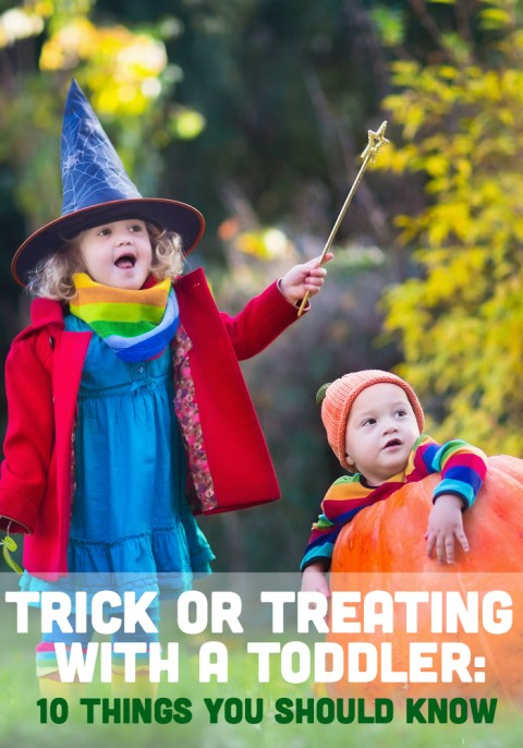 Taking your toddler Trick Or Treating? Here are 10 things you should know before doing this Halloween tradition with little kids.