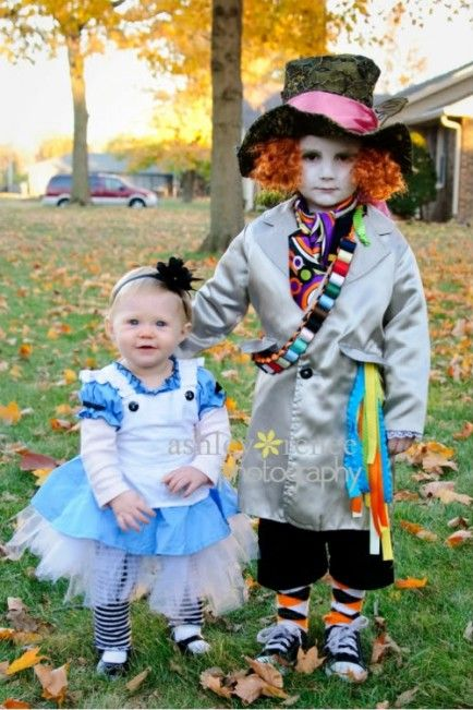 65 Adorable Sibling Costumes That Might Make Your Kids Get Along On Halloween